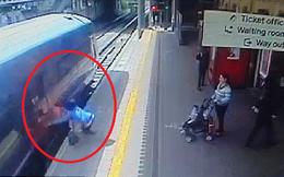 Người phụ nữ bị tàu kẹp tay, kéo lê 18 mét trước sự kinh hoàng của hành khách trên sân ga