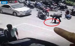"""Dừng xe khi thấy người gặp nạn, nhưng """"bàn tay xấu xí"""" của người đàn ông đã phá hủy tất cả"""