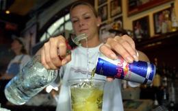 Các nhà nghiên cứu cảnh báo: Loại đồ uống này nếu pha với rượu sẽ rất nguy hiểm
