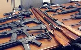 Bắt Giám đốc công ty đòi nợ thuê tàng trữ 28 khẩu súng và 1.855 viên đạn các loại