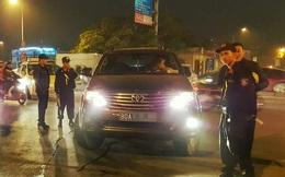 Tạm giữ lái xe Fortuner của thanh tra uy hiếp cảnh sát
