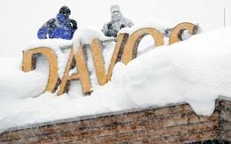 24h qua ảnh: Lính bắn tỉa đứng gác trên nóc khách sạn phủ đầy tuyết
