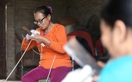 Ngôi làng 60 năm làm nghề chẻ lạt để gói bánh ở Hà Nội