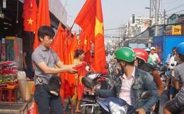 Thức đêm may áo, cờ cho người dân cổ động U23 Việt Nam