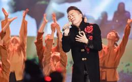 Tùng Dương xúc động khi hát Tình cha