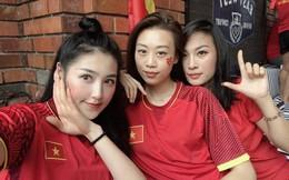 Chưa bao giờ street style của các người đẹp Việt lại ngập tràn cờ đỏ sao vàng như tuần vừa rồi