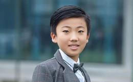 Cậu bé 10 tuổi tự học ở nhà, thành thạo 3 thứ tiếng, viết được 2 cuốn sách bằng tiếng Anh