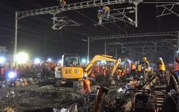 """Cận cảnh cách người Trung Quốc dỡ đường ray cũ, thay đường ray mới """"thần tốc"""" trong 1 đêm"""