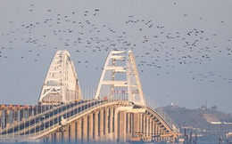 Ukraine kêu gọi trừng phạt sử dụng cầu Crimea, Crimea phản ứng ra sao?