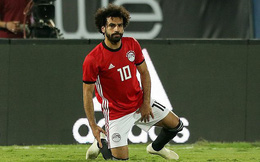 """Lập siêu phẩm từ chấm phạt góc, nhưng Salah vẫn """"méo mặt"""" khi trận đấu kết thúc"""