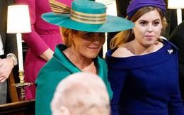 """""""Cuộc đụng độ"""" được mong chờ nhất trong đám cưới của Công chúa Eugenie đã diễn ra với cái liếc nhìn lịch sử"""