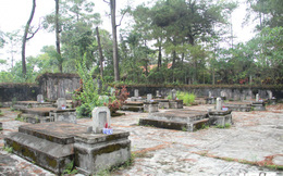 Ảnh: Hoang lạnh khu lăng mộ thái giám độc nhất Việt Nam trong cổ tự xứ Huế