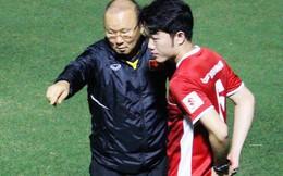 """Xuân Trường, Văn Lâm trở thành phiên dịch đặc biệt giúp thầy Park nói chuyện với """"tân binh"""""""