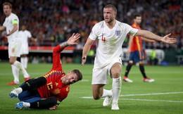 """Fan Premier League hả hê khi Ramos lãnh """"đòn thù"""" từ người Anh"""