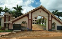 2 cán bộ huyện bị cách chức vì quan hệ bất chính, cấp đất quốc phòng cho người thân