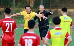 """Đội tuyển Việt Nam tập huấn tại Hàn Quốc: HLV Park Hang-seo """"cấm cửa"""" truyền thông"""