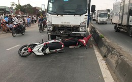 Xe tải tông kéo lê 3 xe máy, 4 người thương vong ở Sài Gòn