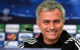 """Jose Mourinho cười khẩy trước tin đồn bị Zidane """"cướp ghế"""""""