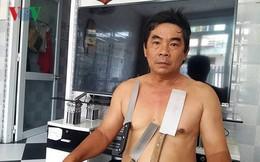 """Người đàn ông ở Tiền Giang có khả năng """"hút"""" vật dụng bằng inox"""