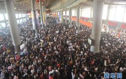 24h qua ảnh: Người dân Trung Quốc ùn ùn về quê trong dịp nghỉ lễ