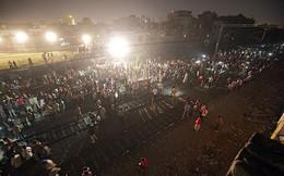 Khoảnh khắc thảm kịch tàu hỏa cán ngang đám đông mừng lễ hội ở Ấn Độ