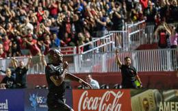 Không chịu kém Ibra và Rooney, Drogba ở tuổi 40 vẫn sút phạt ghi bàn trên đất Mỹ
