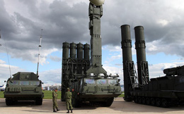 """S-300 Nga triển khai ở Syria liên tục bị quấy nhiễu: Kẻ lạ nào dám """"vuốt râu hùm""""?"""