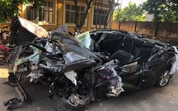 Hình ảnh xe Mazda nát bét sau tai nạn trên cao tốc Hạ Long - Hải Phòng gây ám ảnh
