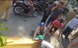Hà Nội: Người thân gào khóc thảm thiết cạnh thi thể nam thanh niên bị tàu hoả tông tử vong
