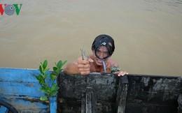 """Giáp mặt """"thợ săn"""" tôm càng xanh trên sông Đồng Nai"""