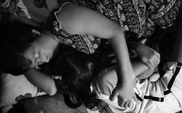 """""""24 giờ của Tư"""": Bộ ảnh xúc động về người mẹ đơn thân chiến đấu với căn bệnh ung thư cùng cô con gái 12 tuổi"""