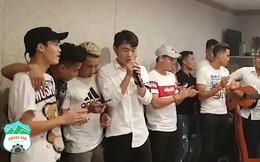 Xuân Trường cùng đồng đội cover nhạc Sơn Tùng M-TP cực ngọt chia tay V-League 2018