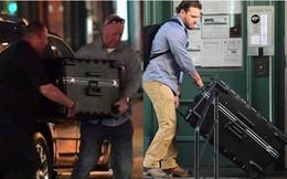 """Các ngôi sao cũng phải """"quỳ gối"""" trước chiêu thức trốn phóng viên của Taylor Swift: Chui vào vali?"""