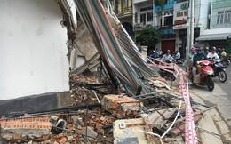 Sập giàn giáo trường tiểu học khi đang tổ chức mít tinh ngày 20/11, hàng chục người bị thương