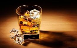 Chữa bệnh khó nói ở đàn ông bằng… rượu