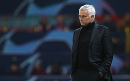 """Mourinho bất ngờ công khai chê trách 4 học trò từng """"cứu giá"""" mình"""