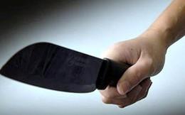 Buồn chuyện gia đình, nam thanh niên cầm dao ra đường chém người để đi tù