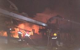 Hai tàu cá đang tránh bão ở Bến Tre bất ngờ bốc cháy, thiệt hại 2 tỷ đồng
