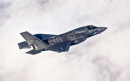 """F-35 sẽ """"tan xác"""" trong không chiến, nếu Mỹ không rút ra bài học từ thảm bại của F-105 ở Việt Nam"""