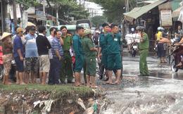 Mới tìm thấy xe máy của thanh niên bị nước cuốn trong bão số 9 ở Sài Gòn, người vẫn mất tích
