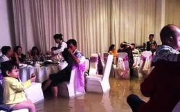 Mưa ngập lịch sử ở TP.HCM: Rắn rết bơi vào nhà, ăn tiệc cưới trong biển nước