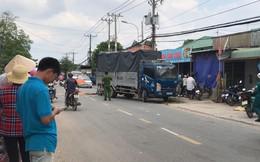 Tông vào xe tải đang lùi từ trong nhà ra, 2 thanh niên thương vong ở Sài Gòn