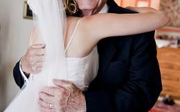 """Gặp lại người mình từng """"quan hệ"""" trong đám cưới, cô dâu choáng váng khi biết ông ta là ai"""
