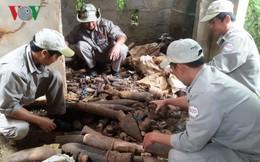 Phát hiện gần 1.000 đầu đạn và bom trong nhà hoang tại Quảng Trị