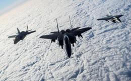 24h qua ảnh: Chiến đấu cơ Anh-Pháp-Mỹ bay trên eo biển Manche