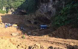 Hơn 100 người đang khẩn trương giải cứu hai phu vàng mắc kẹt trong hang