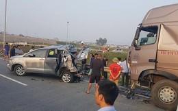 """Xe Innova bị tông trên cao tốc: Luật sư cho rằng để an toàn, """"xe container chỉ có cách đi... lùi"""""""
