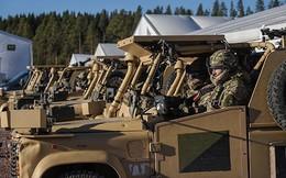 Xe tăng va chạm ô tô quân sự, 4 quân nhân NATO bị thương trong tập trận