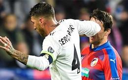 Đội trưởng tai tiếng của Real Madrid đánh cùi chỏ khiến đối thủ chảy máu mũi ròng ròng