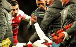 """Nani nắm chặt tay động viên Welbeck: """"Mãi là anh em"""" kiểu Man United"""